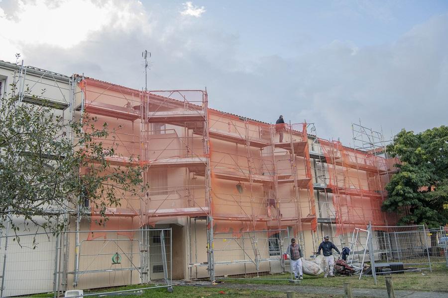 Visite de la résidence Les Saules à Tournefeuille et du 1 000ème logement social réhabilité