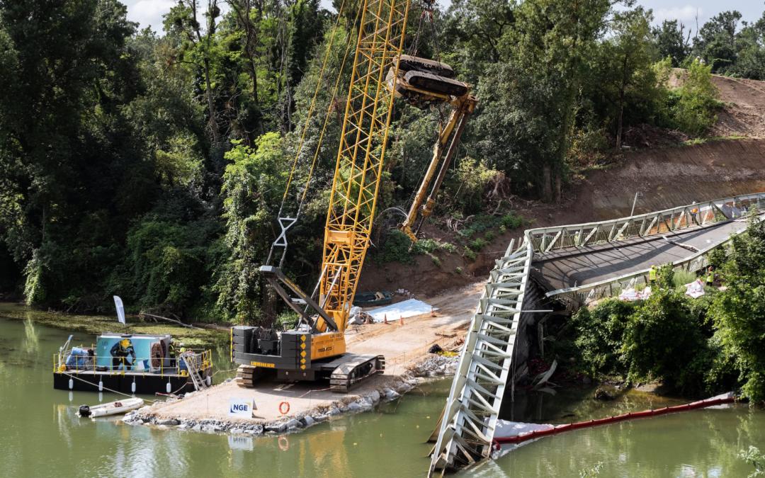 Pont de Mirepoix-sur-Tarn : enlèvement du convoi et du tablier immergés dans le Tarn
